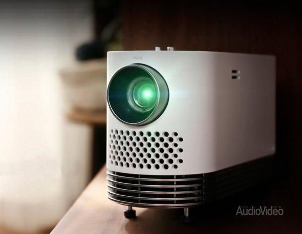 LG_01_HF80JG_A-superior-portable-projector_D